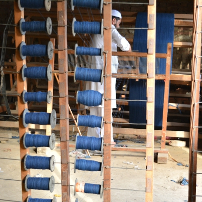 manual_warping_for_making_ecofriendly_handloom_denim